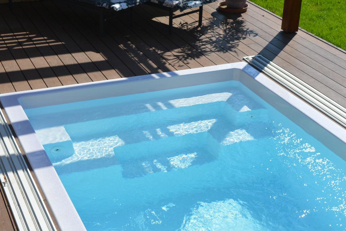 KORFU Pool Beispiel