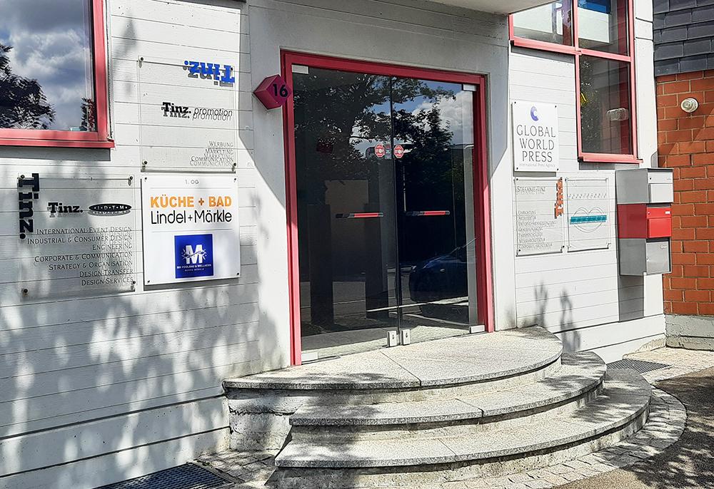 Lindel + Märkle Badgestaltung Reutlingen Badsanierung Planungsbüro: Ferdinand-Lassalle-Str-16-Reutlingen